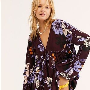 NWT Bella Printed Tunic in Wine Floral